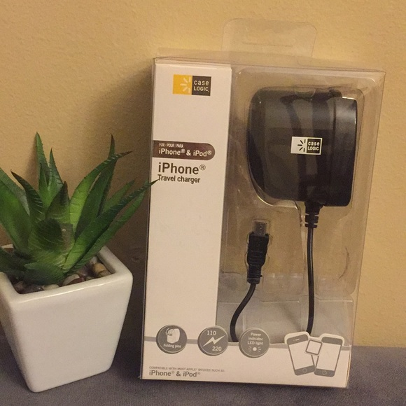 promo code 1ccb0 031e4 New iPhone & iPod Travel Charger fr. Case Logic NWT